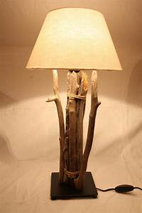 Treibholz Lampe Decke : treibholz lampe mit schirm tischlampe unikat ~ Frokenaadalensverden.com Haus und Dekorationen