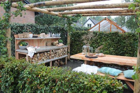 montagebalk len onze eigen tuin krijgt een eethoek eigen huis en tuin