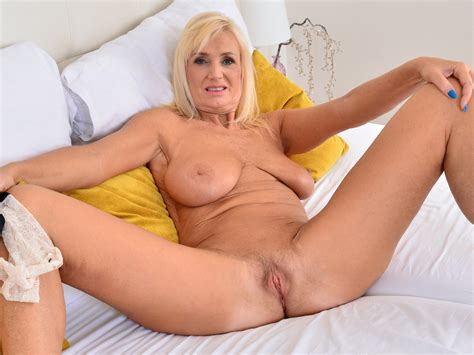 Blonde Older Woman Rubbing Her Pussy Hd Porn A8 Xhamster