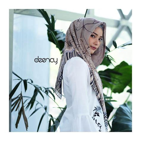 toko jilbab segi empat printing jilbab segi empat deenay qamra axels id