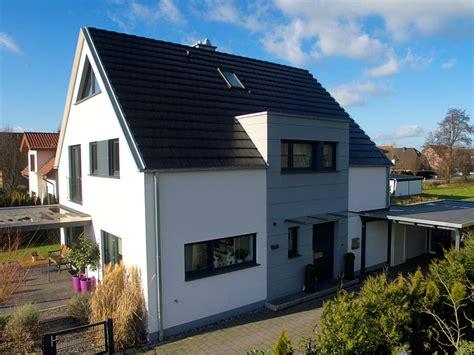Moderne Häuser Ohne Dachüberstand by Vorderbr 252 Ggen Bau Gmbh