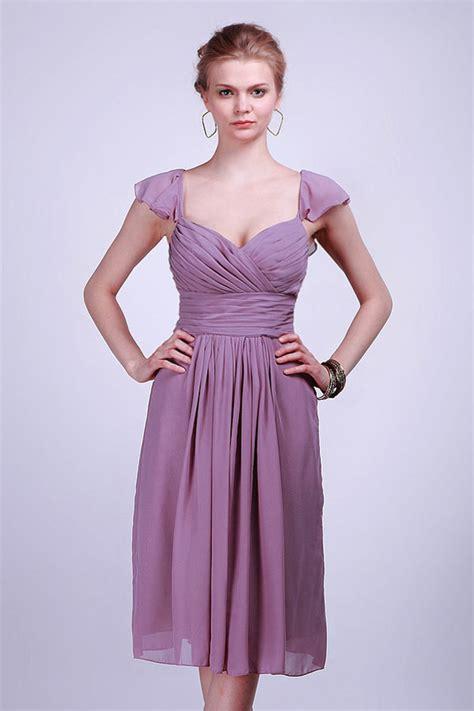 Il y a toutes sortes d'occasions qui peuvent imposer un dresscode chic et élégant, et donc toutes sortes de robes grande taille plus ou moins adaptées. Robe de soirée courte plissé à mancheron pour femme ronde ...
