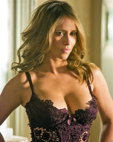 actress similar to jennifer love hewitt love s sweet fat juicy tits would make a blind man s