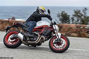 motorscycle.com 2017 Ducati Monster 797 revisión: En ...