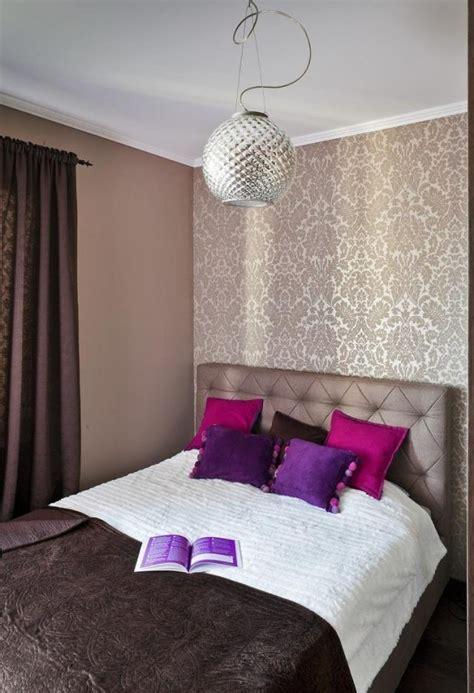 lila schlafzimmer ideen schlafzimmer ideen gestaltung farben beige braun tapete