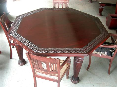 function detail in the octagon dining table home decorations
