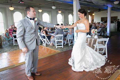gentry  andrew wedding reception lightly photography