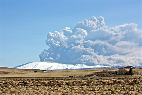 droht ein vulkanausbruch auf island gibt es eine neue