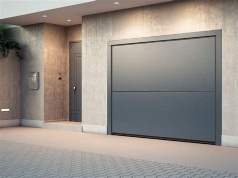 porte basculanti per box auto prezzi porte sezionali per garage con carini porte da garage