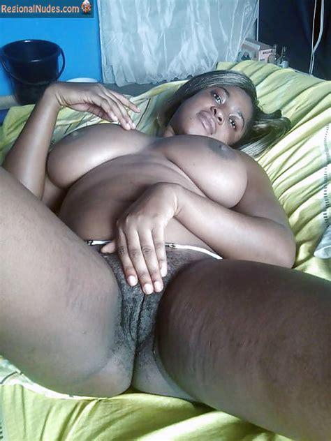 Busty Beautiful Ghanaian Woman Exposing Pussy Regional
