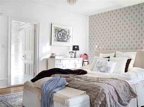 commode blanche chambre idees papier peint pour chambre a coucher chaios com