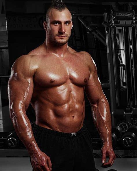 Serbian Muscle Men — Serbian bodybuilder Maksim More of ...