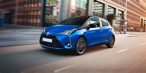 toyota yaris review carwow