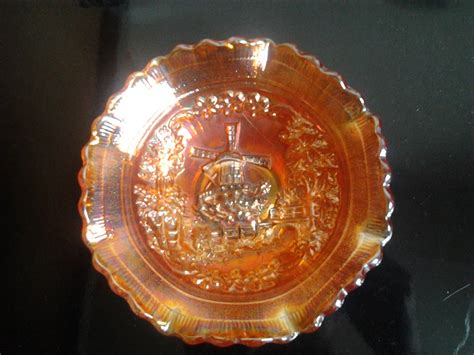 carnival glass bowl small carnival glass bowl with windmill pattern collectors weekly