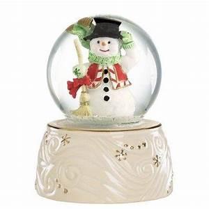 Lenox Christmas Snow Globe Snowman   Things I love ...
