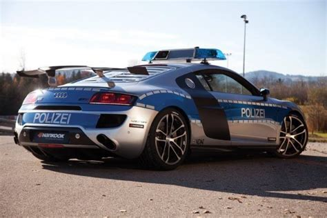 fastest police car to protect and swerve the world 39 s 10 fastest police cars