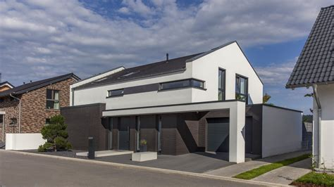 Bauhausstil Mit Satteldach by Einfamilienhaus In Iserlohn Bauhaus Trifft Satteldach
