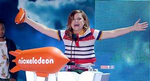 Amy Poehler Takes Home Favorite Voice Award at the Kids ...