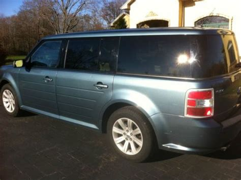 Ford Flex Mpg by Sell Used 2010 Ford Flex 8 Seatbelts Fully Loaded Great