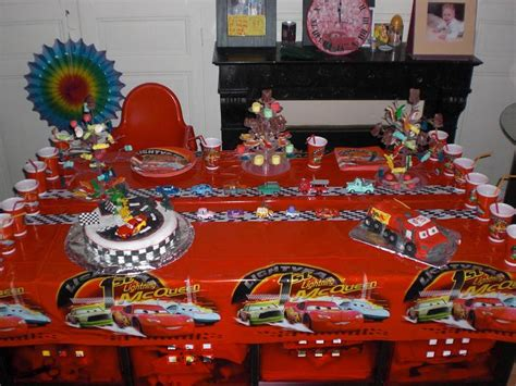 decoration gateau flash mcqueen cars quatre roues flash mcqueen et ses amis page 14