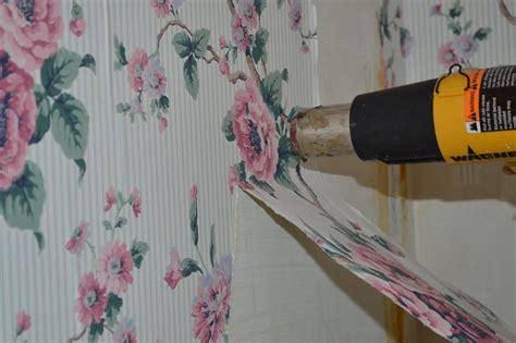 Using A Heat Gun To Remove Wallpaper