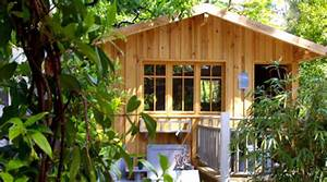 cabanes de reve constructeur de cabane en bois With amenagement exterieur terrasse maison 15 maison en bois les cabanes dolivier cabane en bois