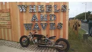 Wheels And Waves 2019 : des motos vintage personnalis es jouent les belles biarritz ~ Medecine-chirurgie-esthetiques.com Avis de Voitures