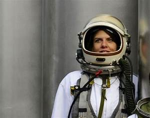 132 best Women Wearing Spacesuits images on Pinterest ...
