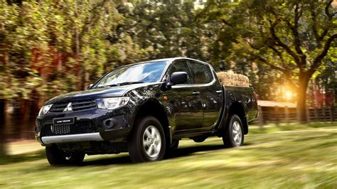 Mitsubishi T120ss Hd Picture by Mitsubishi L200 Hq Wallpapers Hd Pictures