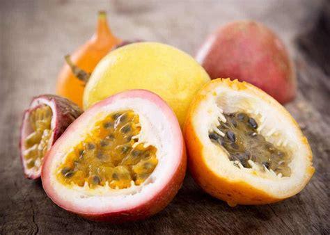 Maracuya: Passion Fruit Guide (Taste, 7 Benefits, How to Eat it) - Storyteller Travel