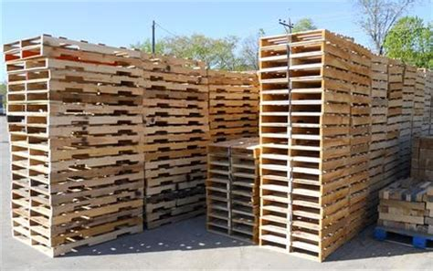 pallet removal pallet recycling junk wooden pallet haul