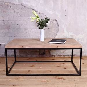 Couchtisch Industrial Style : industrial style coffee table by cosywood ~ A.2002-acura-tl-radio.info Haus und Dekorationen