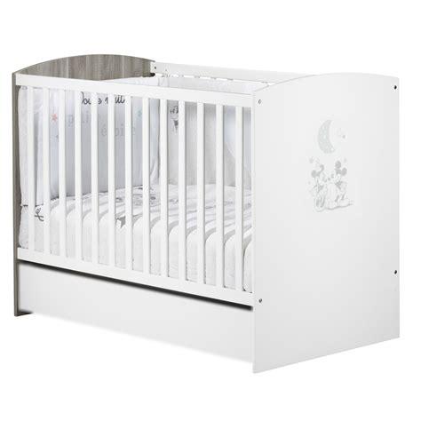 chambre bébé winnie l ourson stunning armoire bebe winnie lourson gallery design