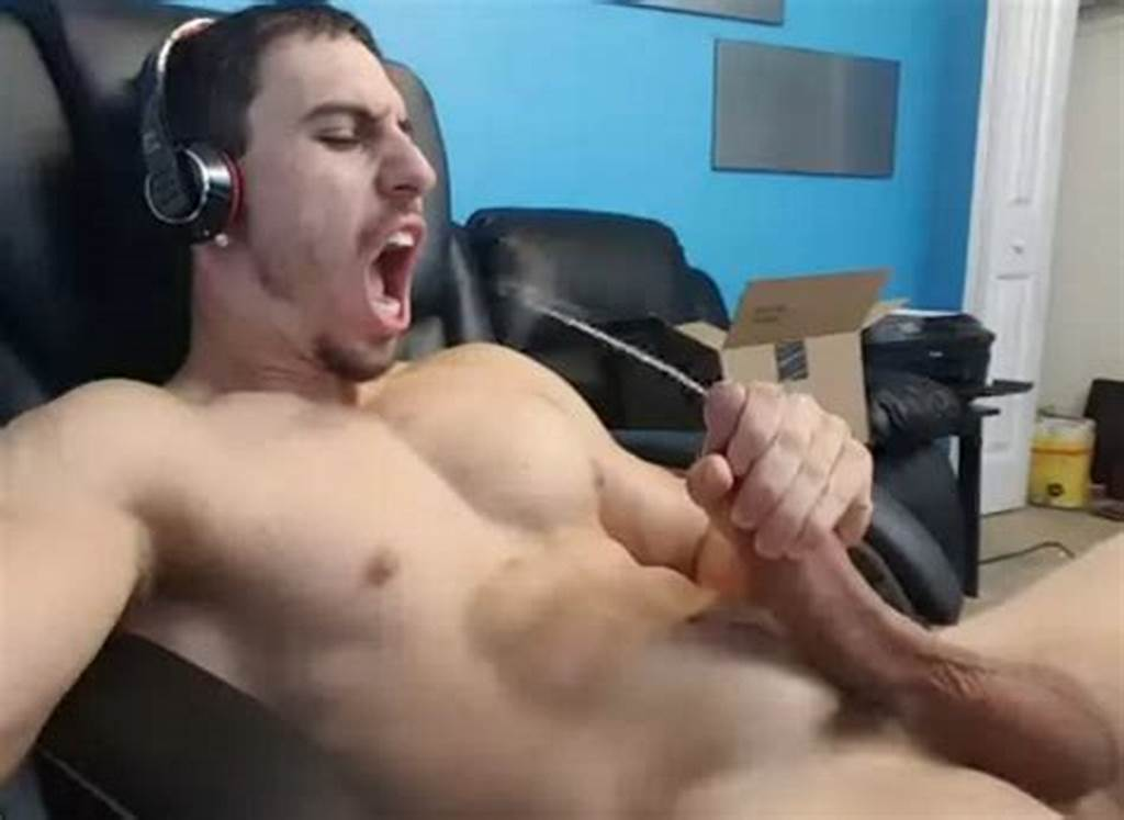 #Jake #Orion #Enjoys #Fucking #His #Own #Asshole #& #Cumming #In #His