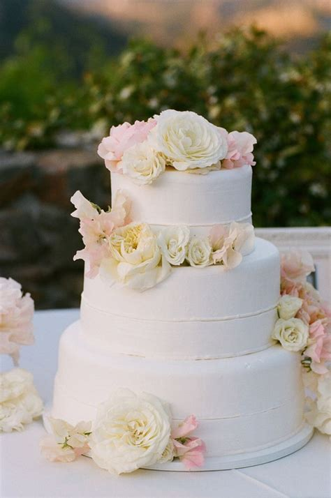 Simple Wedding Cakes With Flowers Idea In 2017 Bella