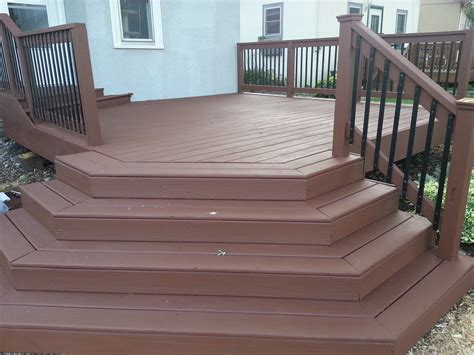applying behr deck    wood deck small change