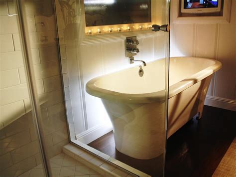 Bathroom Tub And Shower Designs - amazing tubs and showers seen on bath crashers diy
