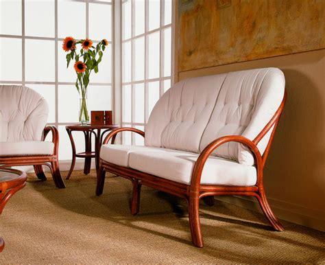 comment laver un canapé en tissu coussin de fauteuil en rotin conseils d entretien brin