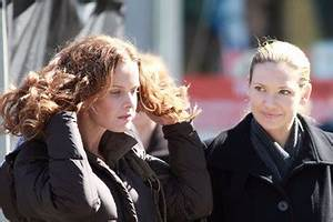 Rebecca Mader Anna Torv Pictures, Photos & Images - Zimbio