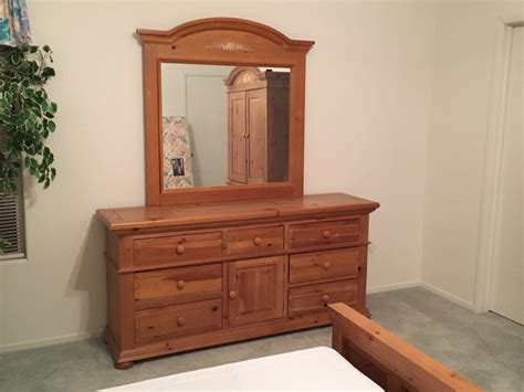 broyhill fontana bedroom set letgo broyhill fontana master bedro in green valley nv