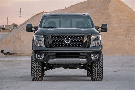 nissan titan xd lifted rough country 6in suspension lift kit 2017 titan 4wd