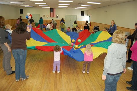 storytime source page parachute play 272 | Parachute