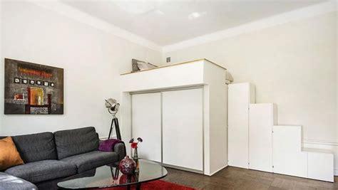 coin canap lit mezzanine adulte pour l 39 aménagement du petit appartement