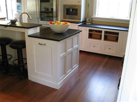 white craftsman kitchen cabinets white craftsman style traditional kitchen