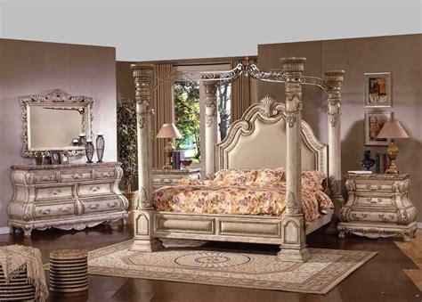 Antique White Master Bedroom Set, Huge Column 4 Post