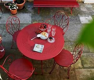 les 25 meilleures idees de la categorie chaises en fer With meubles de terrasse design 13 terre et metal creation de meuble en acier mobilier