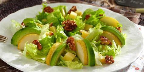 cuisiner la salade verte salade verte aux poires et noix caramélisées je cuisine