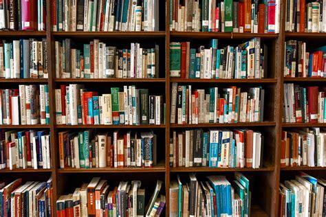Big Bookshelf by 40 Interesting Bookshelf Photos 183 Pexels 183 Free Stock Photos