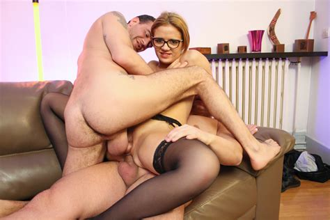 La Cochonne Hot Amateur French Babe Gets Sandwiched In