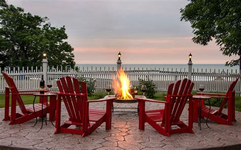 romantic getaways  upstate ny lodging  erie pa